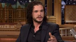 L'attore di Jon Snow racconta di aver evitato una multa grazie a uno spoiler su Game of