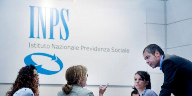 Mentre infuriano le polemiche sulle pensioni, l'Inps premia 26 dirigenti con 3,4 milioni di