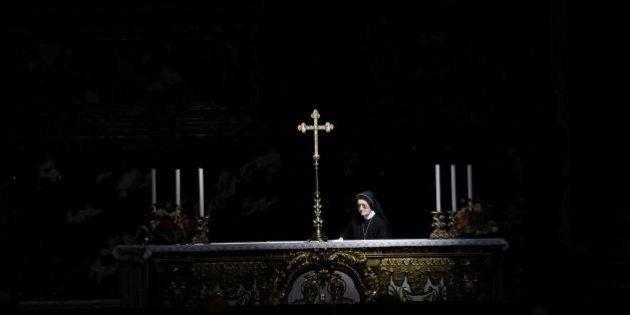 Cei: vescovi pagheranno le bollette a chi non ce la fa. Per il Giubileo della misericordia condono del