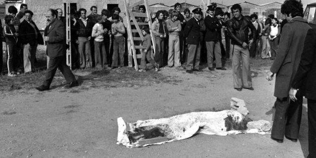 Per tre giorni in mostra tutti i reperti dell'omicidio Pasolini: dagli occhiali ai vestiti, fino ai bastoni...