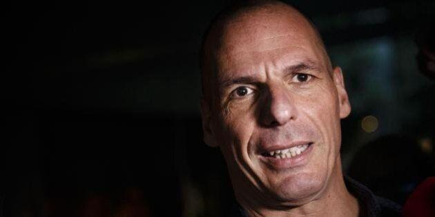 Yanis Varoufakis al Financial Times racconta il suo privato. Dal santuario sull'isola alla decappottabile