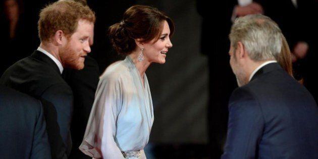 Kate Middleton cambia look e conquista il mondo dell'alta moda: Vogue UK promuove il nuovo stile della