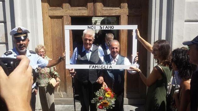 Unioni Civili, Gianni e Franco sposi a 80 anni a Torino. Chiara Appendino si commuove