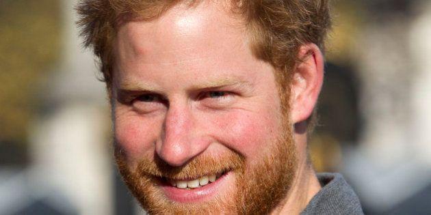 Il principe Harry ha una nuova fiamma. Lo scapolo d'oro del Regno Unito stregato da