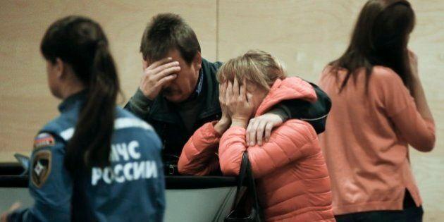 Egitto: aereo precipitato sul Sinai, una famiglia distrutta, una coppia di sposi, un papà. Le storie...