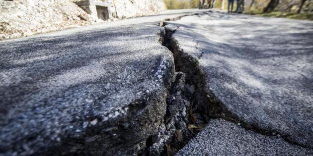Terremoto, forte scossa avvertita nelle Marche e in Umbria: magnitudo 4.8. Ingv: