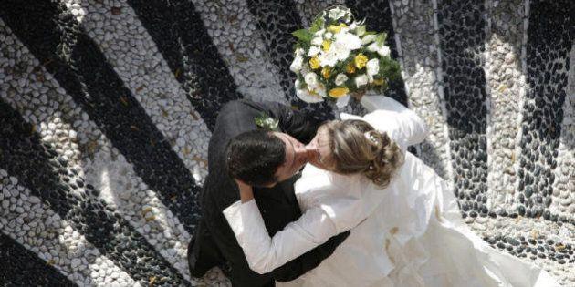 Tumori, se sposati si guarirsce più facilmente e la malattia è meno pericolosa. I dati di un recente...