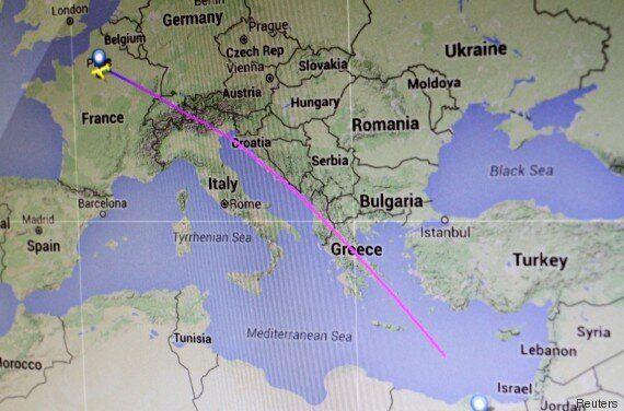 Aereo Egyptair precipitato in Grecia. Partito da Parigi era diretto al Cairo. A bordo 66 persone. Non...