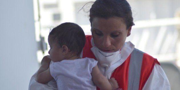 La trappola dei bimbi profughi che arrivano da