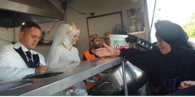 Coppia di sposi turchi invita alle nozze 4mila rifugiati siriani