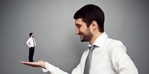 Rapporto Mediobanca, a un lavoratore occorrono 31 anni per guadagnare quanto un top