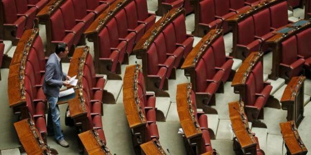 Diego De Lorenzis (M5S) e l'interrogazione nell'Aula di Montecitorio completamente vuota