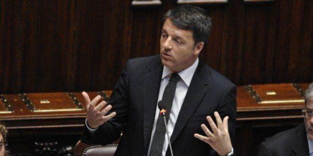 Ok definitivo della Camera alla riforma costituzionale. Renzi trasforma il referendum in plebiscito:...