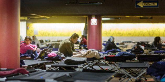 Turista cinese perde il portafoglio con i documenti in Germania e viene scambiato per rifugiato: trascorre...