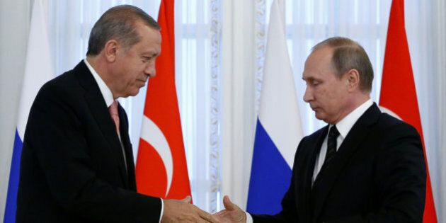 Erdogan vola da Putin a San Pietroburgo: prova di forza anti-Occidente e nuovi accordi in