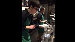 Sam è autistico e non pensava che potesse fare il barista. Poi ha iniziato a