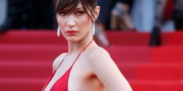 Bella Hadid a Cannes 2016 rompe ogni schema. Senza biancheria sul red