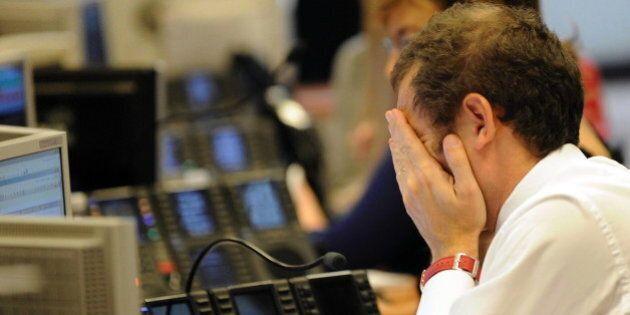 Borsa, Piazza Affari in forte calo. Pesano ancora le banche, si salva il comparto