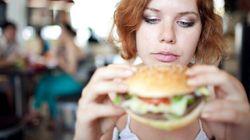 Perché le donne hanno più fame in quel periodo del