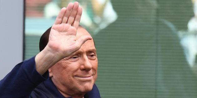 Silvio Berlusconi lancia la carovana delle 500 per il No al referendum. Le automobili attraverseranno...