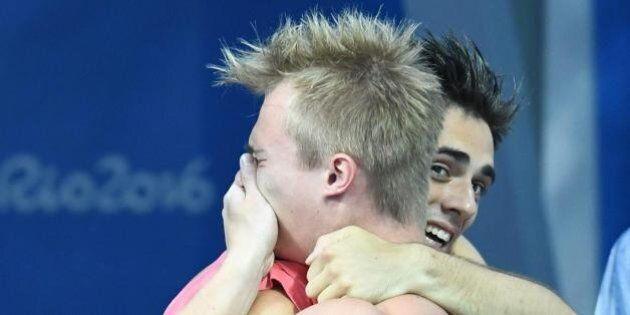 Rio 2016, vince la medaglia d'oro nei tuffi sincronizzati dopo aver rischiato la morte: le lacrime di...