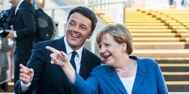 Matteo Renzi e Angela Merkel, due anni di flirt e litigi. Dall'esordio col bottone attaccato male al...
