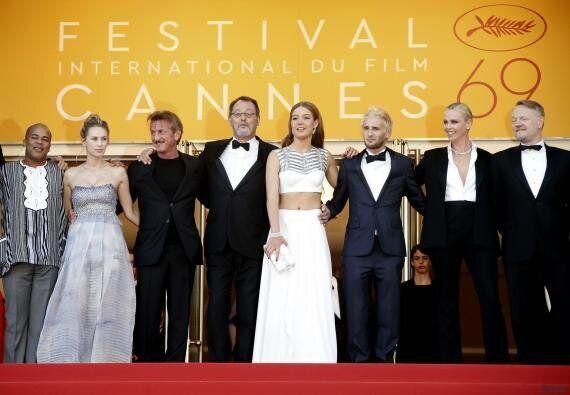 Charlize Theron e Sean Penn, neanche sguardo tra due ex Nessuna foto insieme. Ma in privato il saluto