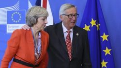Brexit, Theresa May telefona a Juncker e Merkel: