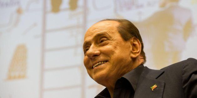 Riforme, profumo di Nazareno: Silvio Berlusconi non tratta, Mediaset sì. Ecco i numeri della Ghisleri...