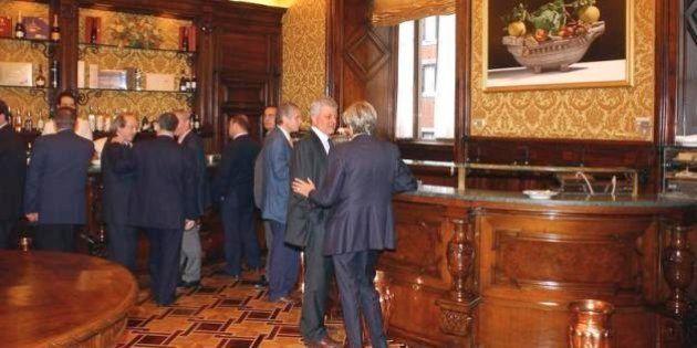 Camera: 34 ex deputati non hanno saldato il conto alla buvette. Arretrati per 20mila