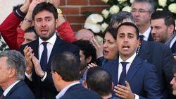 Fischi al Pd ai funerali di Casaleggio: