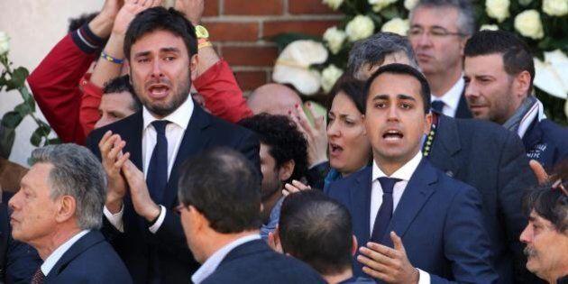 Fischi al Pd al funerale di Casaleggio. Fiano: