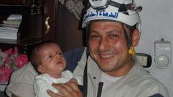 È morto ad Aleppo il volontario eroe che salvò un bimbo dalla macerie, quelle immagini divennero