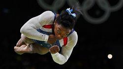 Simone Biles inventa un'acrobazia, vince l'oro e si dimostra l'erede di Nadia