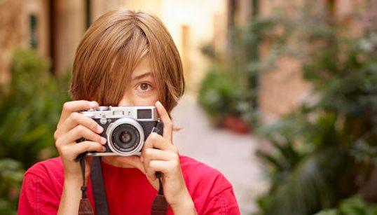Fai gli auguri alla fotografia. Scatta e posta il tuo