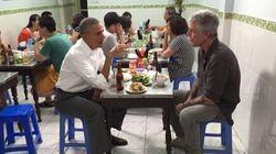 Obama in Vietnam cena con 6 dollari. Street food e birra: la normalità del
