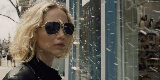 Joy, il film di David O. Russell sulla vita dell'inventrice del mocio autostrizzante è un'iniezione di...