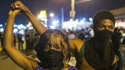 Ferguson, scene di guerriglia. Sindacato di polizia indice il Darren Wilson