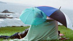 Burrasca a Ferragosto. Armatevi di ombrelli, il tempo peggiora nel