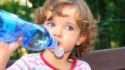Una bottiglietta d'acqua può avere più germi del tuo