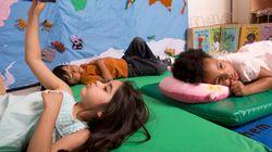 A Milano asili nido aperti anche di sera: l'iniziativa fa felici i genitori e arrabbiare i