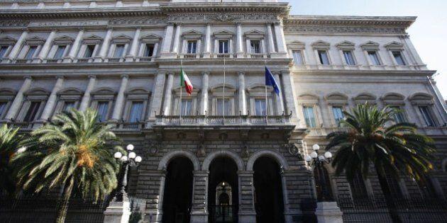 Bankitalia, debito pubblico cala a giugno. Si riduce di 14,6 miliardi a 2.203 miliardi. in calo le entrate...
