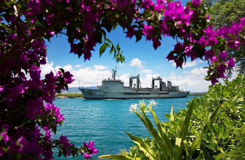 Royal Australian Navy Durance-class Auxiliary Oiler Replenishment ship, HMAS Success (OR 304), departs Pearl Harbor for the s