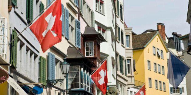 Svizzera, stipendio di 2.230 euro garantito a tutti i cittadini: referendum a giugno su proposta di un...