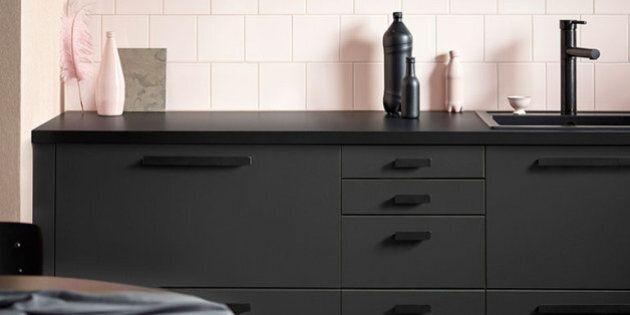 Ikea realizza la sua prima cucina sostenibile, con bottiglie di plastica riciclate. È stata sviluppata...