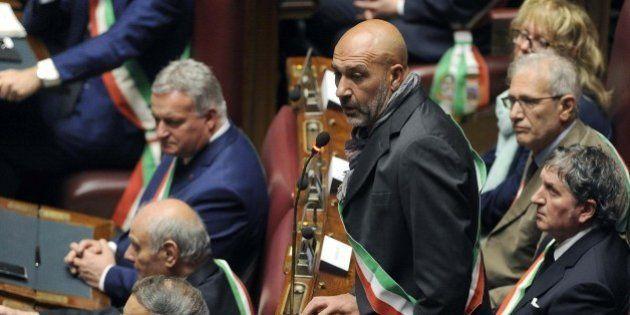 Terremoto, la preoccupazione dei sindaci arriva in Parlamento: burocrazia lenta e richiesta di