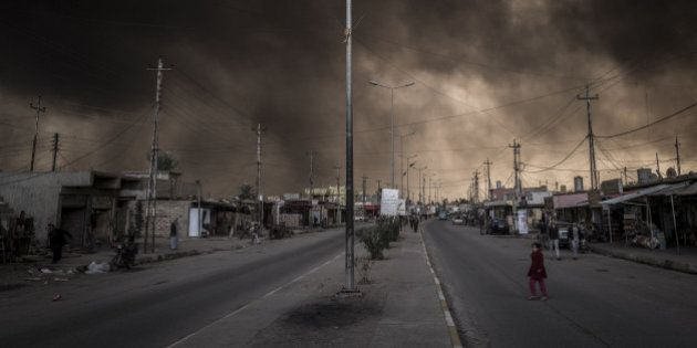 L'Isis compie un nuovo orrore, scoperta una fossa comune con 100 cadaveri decapitati a sud di