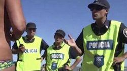 Il topless in spiaggia di 3 ragazze provoca l'intervento di 20 poliziotti. Il video indigna