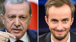 Il comico anti-Erdogan alza bandiera