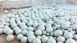 In Siberia si sono formate delle palle di neve giganti. E non promettono nulla di